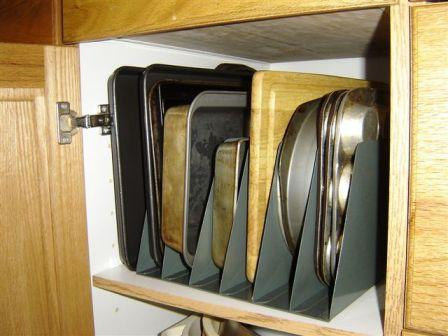 Exceptionnel Vertical Baking Pan Storage